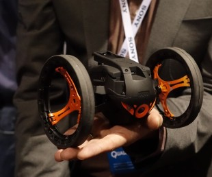 Parrot MiniDrone Jumping Sumo (2)