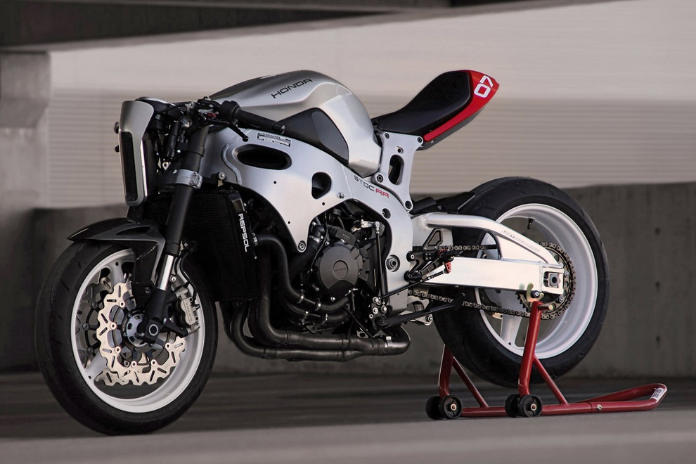 Transform your Honda CBR into a Sci-Fi Street Fighter