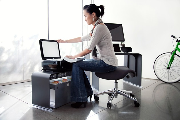Oneless Space Saving Desk (2)