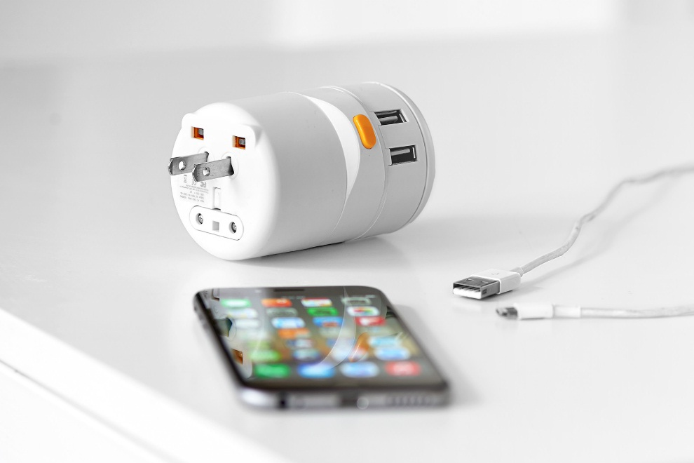 Twist an Ultra Portable Universal Adapter