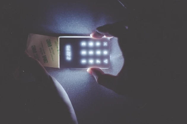 Doesn't World Need This Light Phone