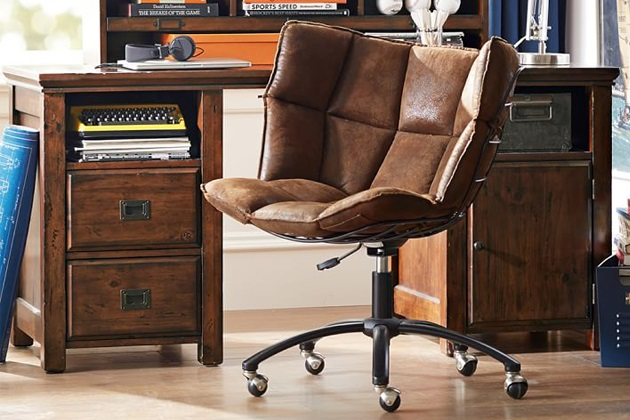 5 Manly Must-Haves for Your Home Office 2