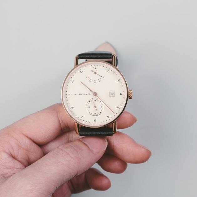 Archibald - A Bauhaus Designed Automatic Watch by H&Co (3)