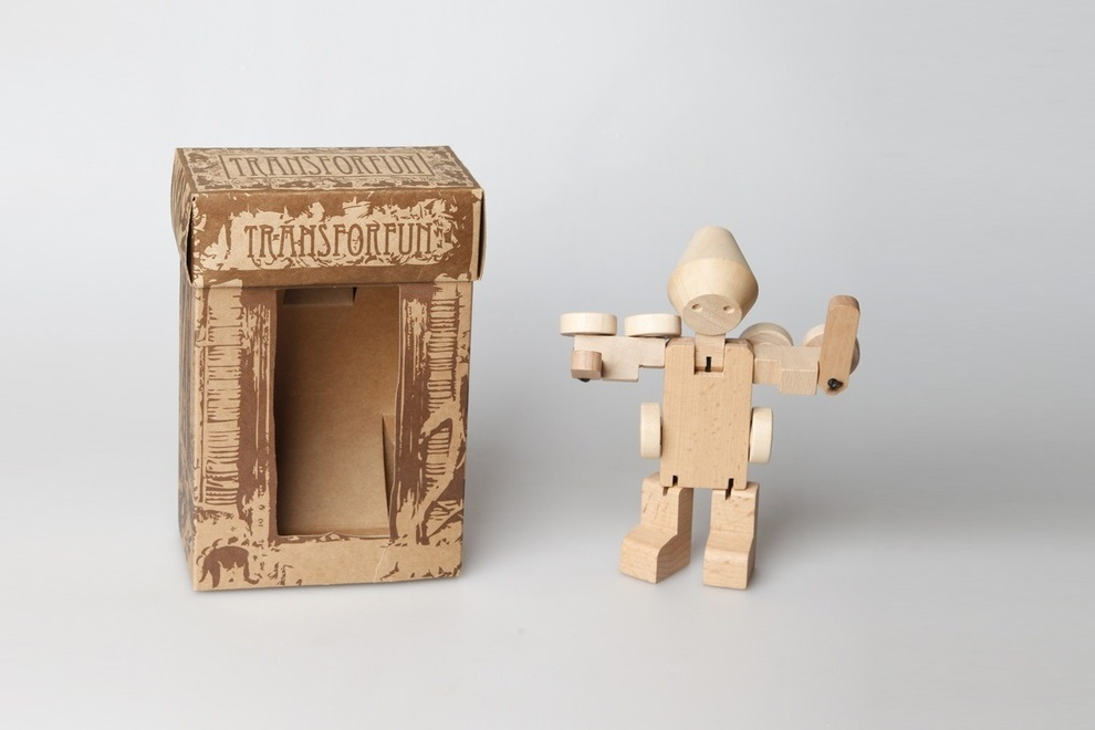 Meet WooBots Creative Wooden Robot Toy (1)