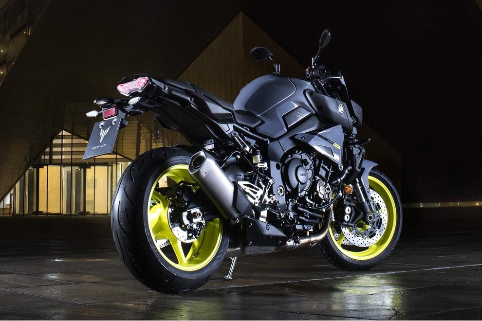 Yamaha MT-10 (1)