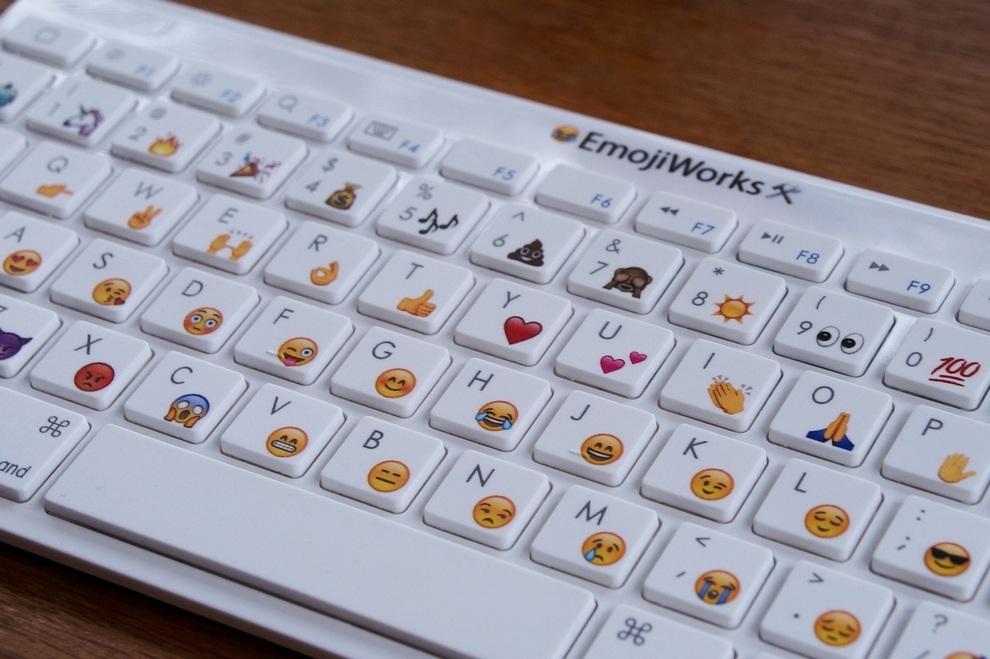 emojiworks emoji keyboard (2)