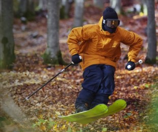 Candide Thovex Skiing for Audi without snow