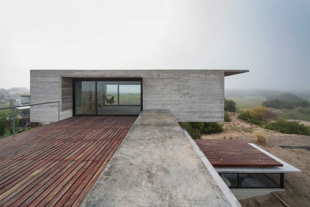 Concrete house by Luciano Kruk (10)