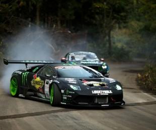 Lamborghini vs Mustang Drift Battle
