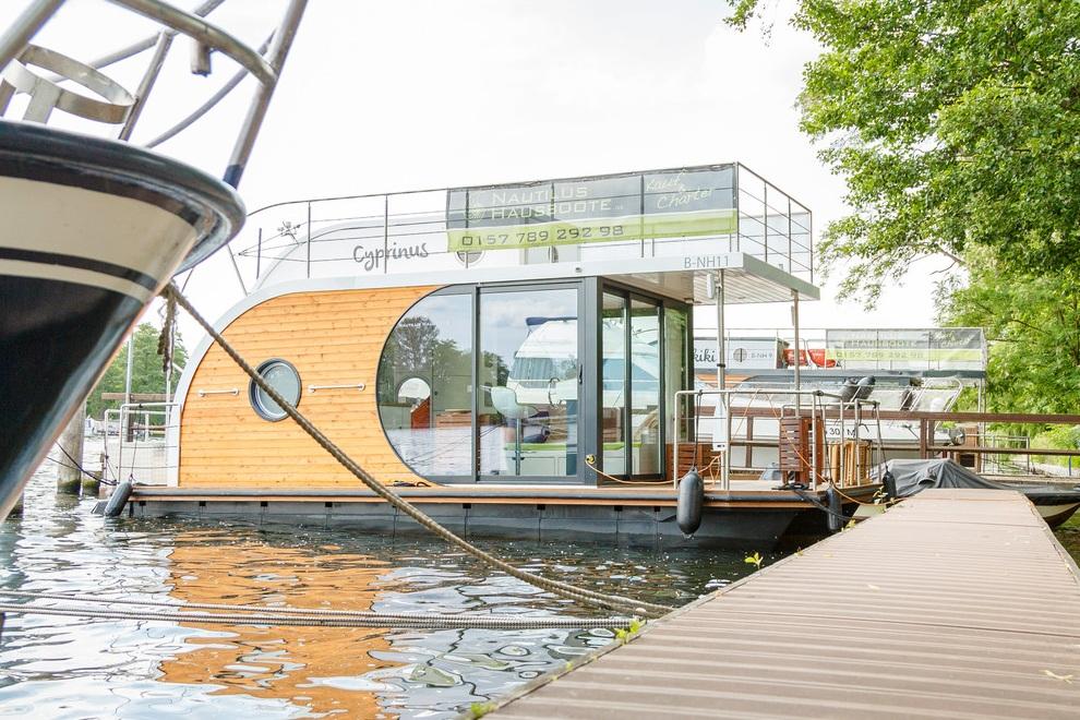 Nautilus Houseboats (2)