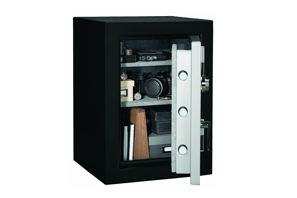Stack-On Elite Executive Fire Safe with Combination Lock (1)