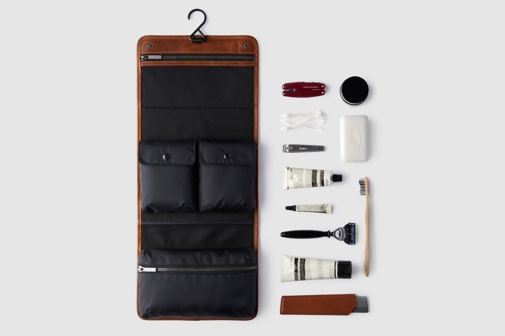 octovo-the-dopp-kit-brown-leather-travel-accessory-propped