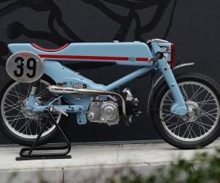 1961 Honda Super Cub Firefly by Deus Japan (1)