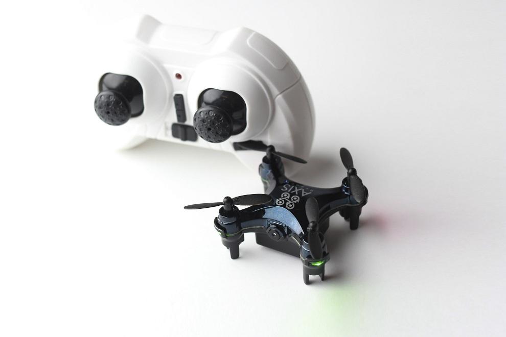 Axis VIDIUS The World's Smallest Camera Drone (1)