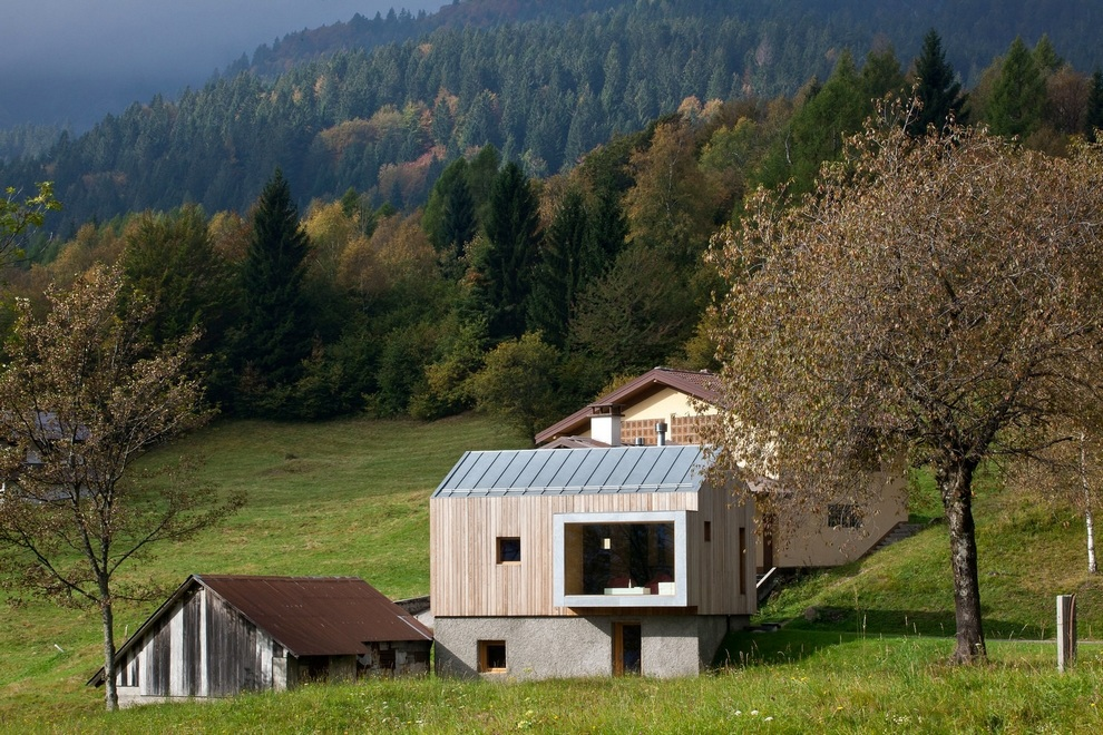 Beautiful Retreat Surrounded by Mountains in Paluzza, Italy (12)