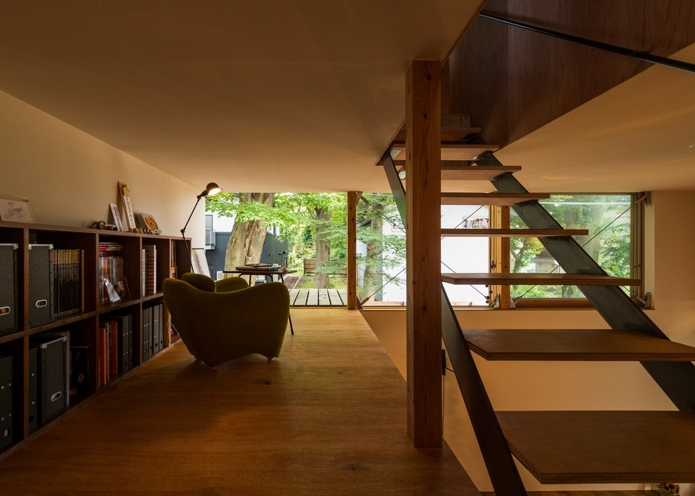 Compact Wooden House by Takeru Shoji Architects (9)