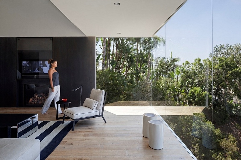 GWdesign's Luxury Hill House in Los Angeles (2)