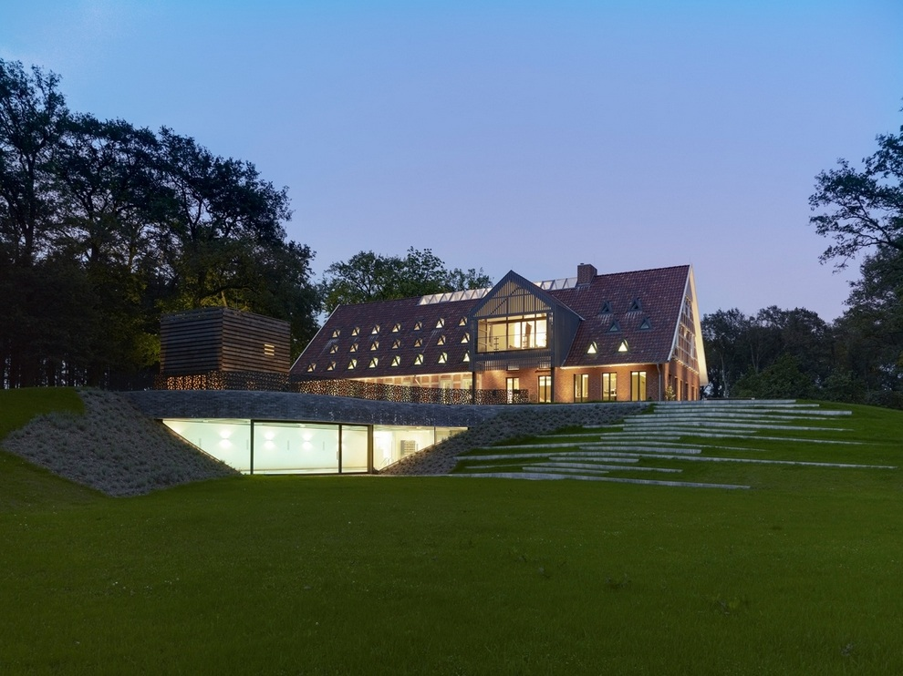 Hallenhaus by Reichel Architekten (1)