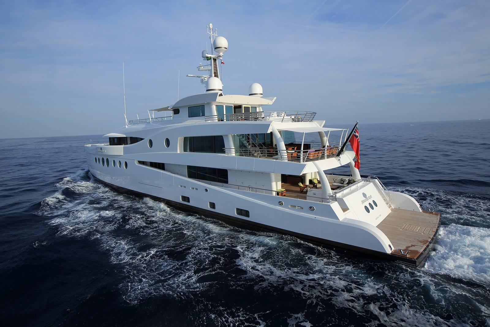 Madam Kate Super Yacht (14)