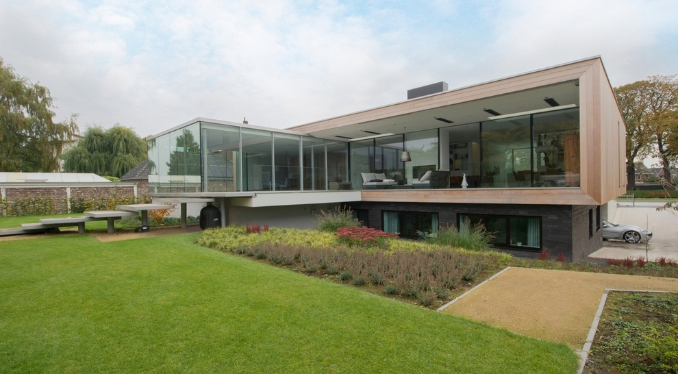 Modern Sustainable House Designed by LIAG (1)