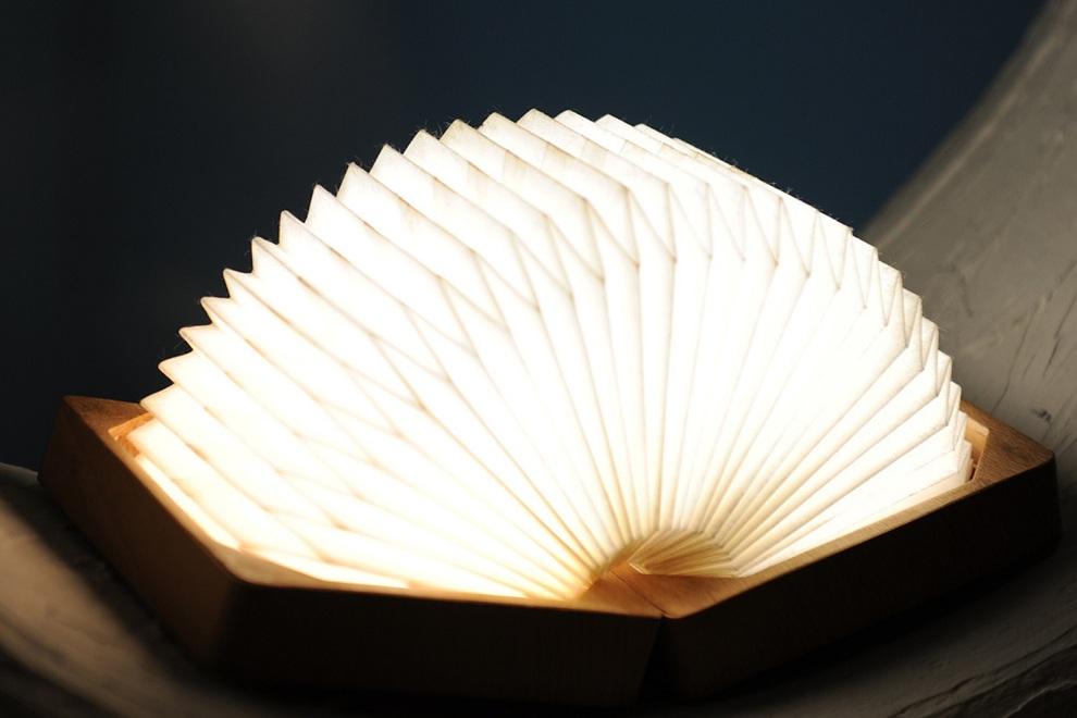 Orilamp - Origami Inspired Smart Folding Lamp (1)