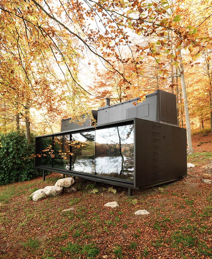 Vipp Shelter - A Timeless Forest Cabin (3)