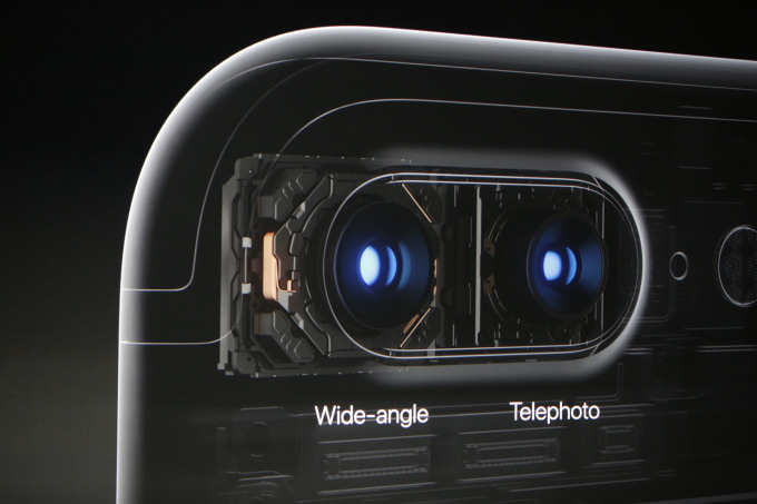 apple-iphone-7-iphone-7-plus-offer-beefed-up-specs-2