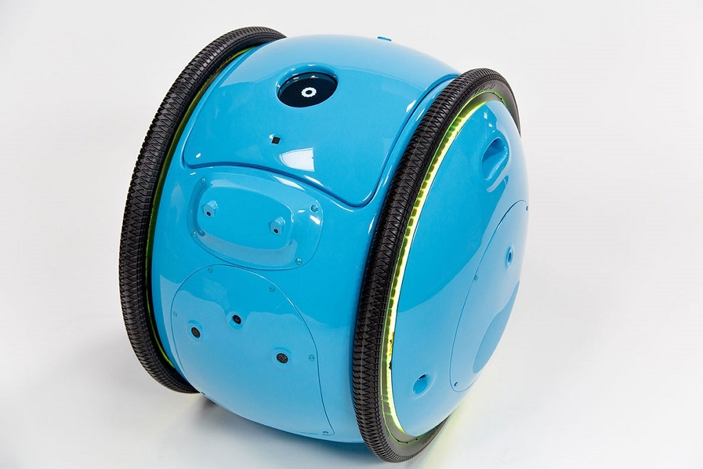 Piaggio s New Cargo Robot Gita will Now Carry Your Luggage (5)