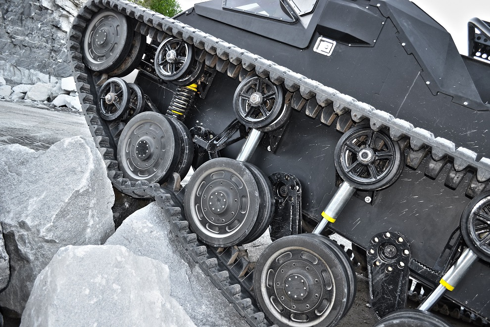 Ripsaw Extreme Vehicle 2 Super Tank (4)