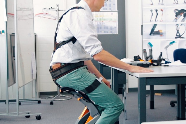 Noonee Chairless Chair Reduces Physical Strain at Work (2)