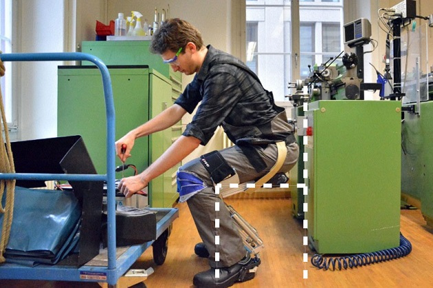 Noonee Chairless Chair Reduces Physical Strain at Work (1)
