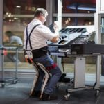 Noonee Chairless Chair Reduces Physical Strain at Work (5)